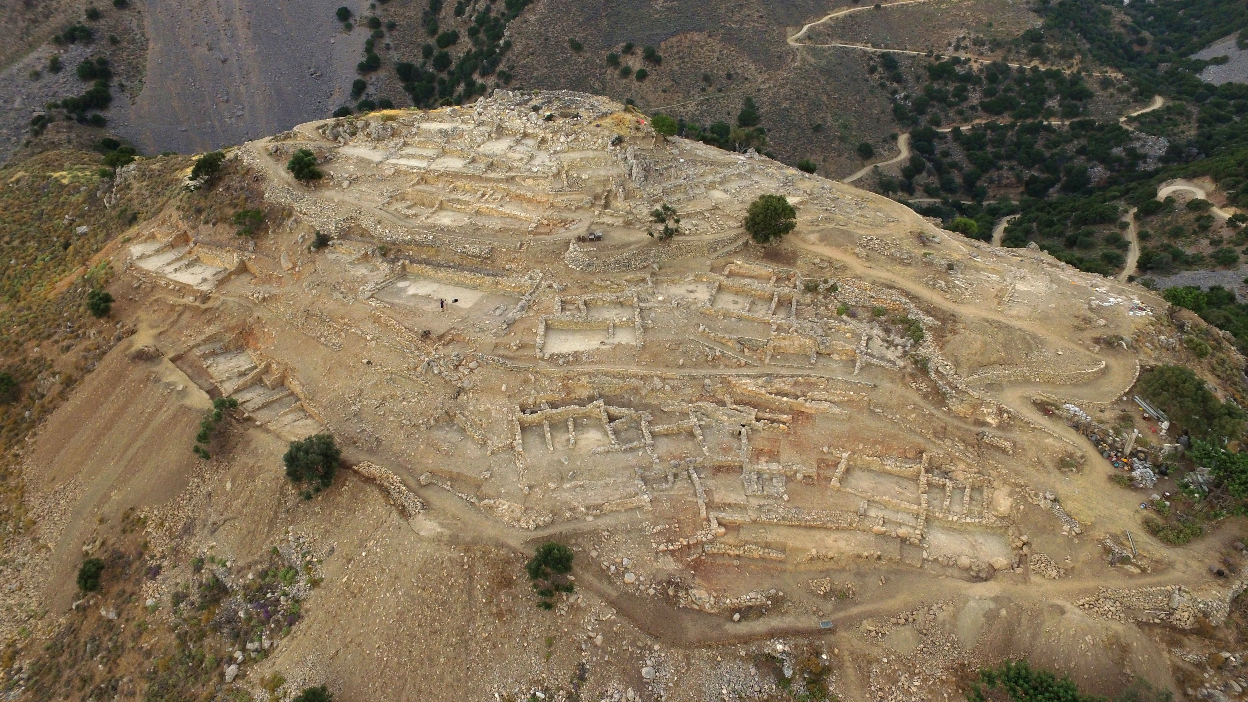 Azoria. Aerial view of the South Acropolis from the southwest (D. Faulmann 2017)